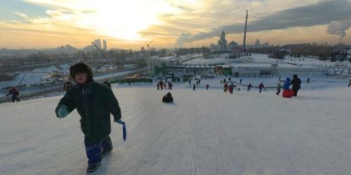 Andrey Ilyin - Moscow Kids sledging
