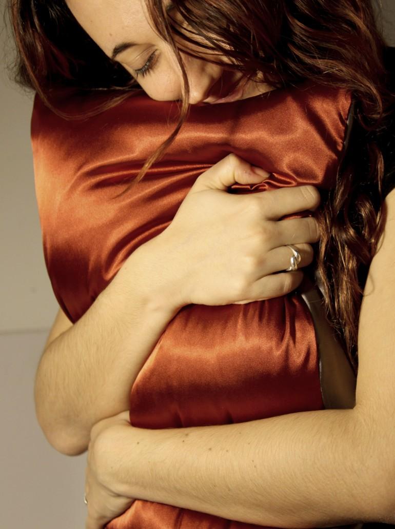 Bernardo Schorr & Maria Paula Saba – Heart Pillow